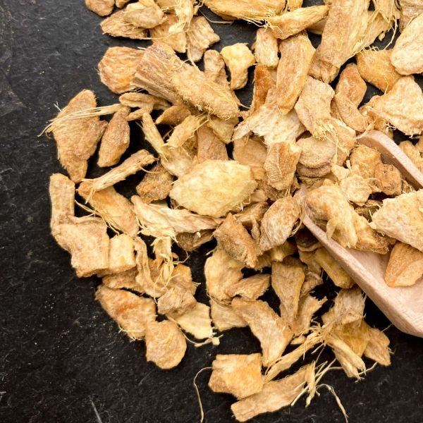 Bio-Ingwer geschnitten 100g mit kleiner Dosierschaufel aus Holz