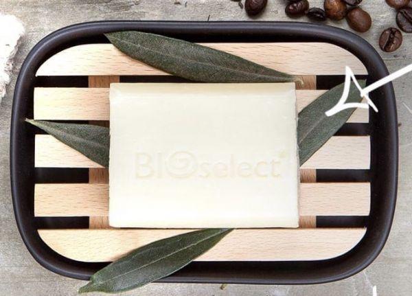 Biologische Seife mit Bio-Kakaobutter und natürlich Bio-Minze für die tägliche Gesichs- und Körperpf