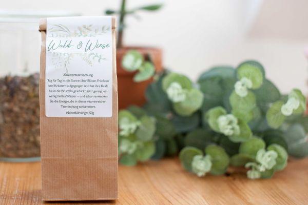 Wald & Wiesen Kräuterteemischung | mit kleiner Dosierschaufel aus Holz - Tee